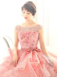 新作ドレスのご紹介(^-^)✨