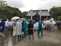 雨の中の秋季大祭