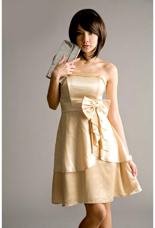 昼の結婚式ドレス