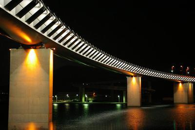 夜のハイヤ大橋